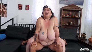Italian Bbw newbie fucked by young dude got cum on pussy
