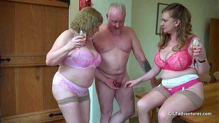 Older British Bbw threeway sex