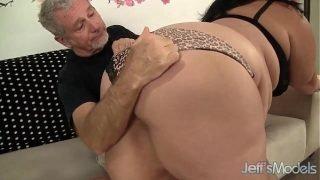 Sexy and horny plumper Juicy Jazmynne hardcore sex