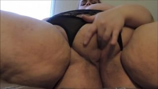 Teasing BBW FatStonerChick Gives herself a quick orgasm
